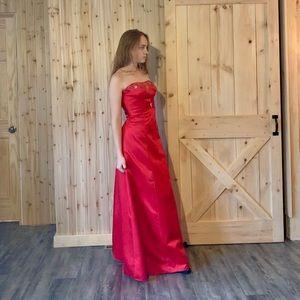 Satin bridesmaid / prom dress